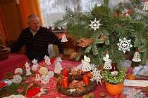 POSLEDNÍ LETOŠNÍ VÝSTAVOU holýšovských zahrádkářů byla ta víkendová, vánoční.
