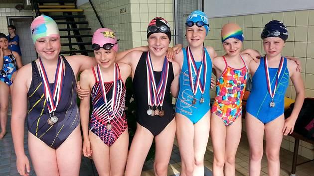 Plavkyně Jiskry Domažlice se zúčastnily Jarního sdruženého krajského přeboru žactva deseti a jedenáctiletých.