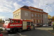 Gymnázium J.Š.B. se stalo cílem hasičského cvičení.