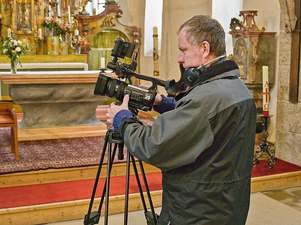 Z natáčení Toulavé kamery v Loučimi