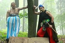 Jan Tochor a David Brich jako Asterix a Obelix byli jedni z mnoha  postav loňského pohádkového lesa, které dětem zadávali zapeklité úkoly.