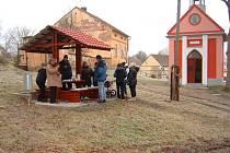 Při setkání u kaple Kocourovští projednali plány na letošní rok.