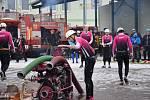 Dobrovolní hasiči z Horního Metelska na ledových útocích v Úněšově.