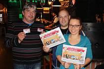 Vítězové předešlého ročníku Tip ligy (zleva) Václav Hruška, Martin a Markéta Kalousovi.