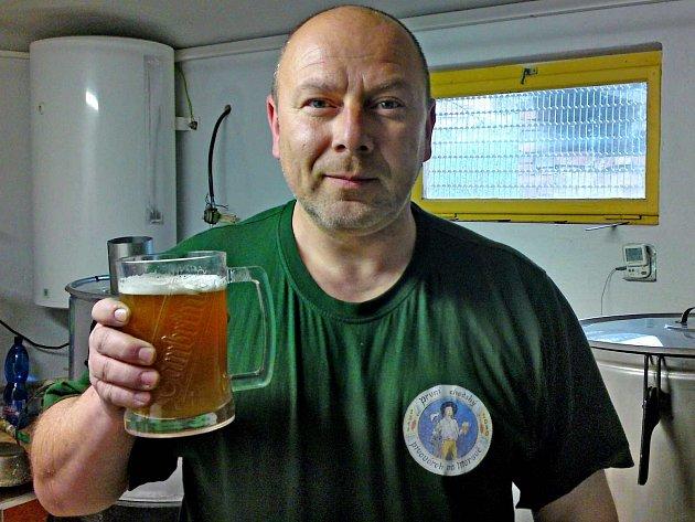 JAN ŠLEFR. Domov mu na vzdálené Moravě připomíná 1. chodský pivovárek.