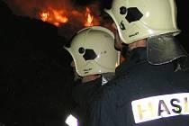 STAŇKOVSKÉ ZEMĚDĚLCE  trápí úmyslně zakládané požáry už několik let. Zatímco v předchozích případech utrpěla společnost Agro milionové škody, požár ve Františkově se obešel beze škod. Hasiči zasáhli včas.