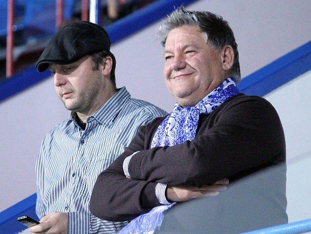 Prezident fotbalové Jiskry Jaroslav Ticháček s Antonínem Vlčkem.