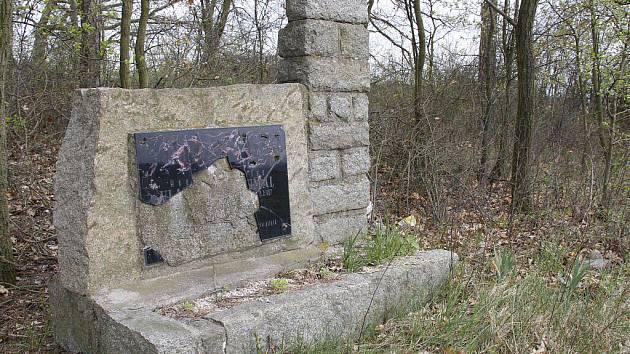Pomník Vladislava Koumala u Blížejova.