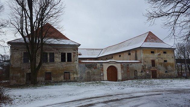 Veškerý výtěžek z bálu bude použit na záchranu zámku v Čečovicích.