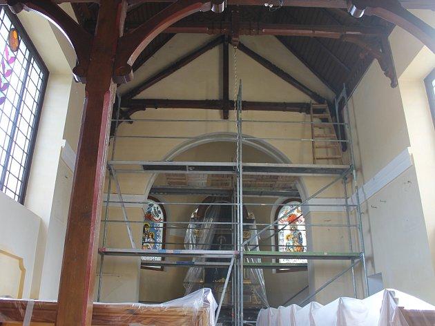 Postřekovská kaple by měla být opět otevřena začátkem příštího roku.