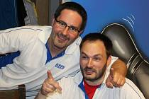 Martin Pejčoch (vpravo) s Tomášem Hánou jako jediní z APM porazili své soupeře v utkání s Dejsi catering.