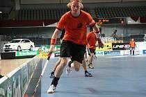 Nejlepší hráč turnaje, kapitán finského týmu Höpöhöpö Mirka Korteila. Foto: Karel Fait
