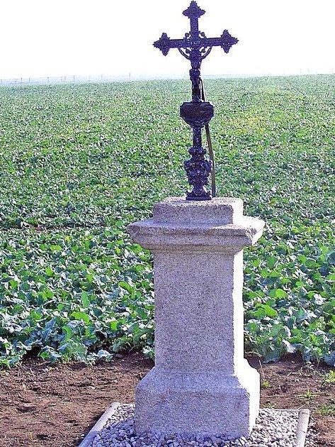Křížky v Ostromeči a Velkém Malahově se dočkaly oprav. Foto: OÚ V. Malahov