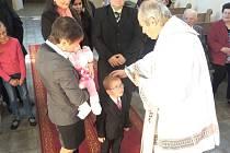 Křest se v kapli v Chodské Lhotě konal po čtyřiceti letech.