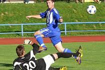 Jaroslav Kovařík ve své první šanci gólmana 1. FC Karlovy Vary Martince ještě nepřekonal.