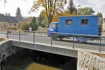 Nový most v ulici Npor. O. Bartoška.