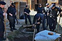 Po jednašedesátiletém Janu Tomáškovi z Bělé nad Radbuzou pátraly desítky policistů za pomoci vrtulníku s termovizí a služebních psů
