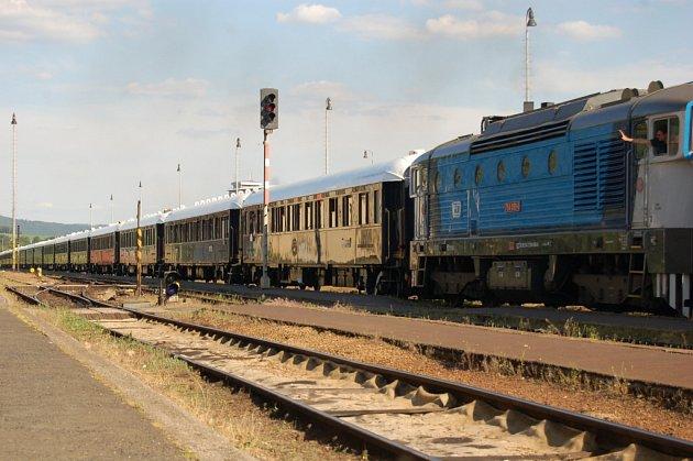 Legendární Orient-Express projíždí Domažlicemi.