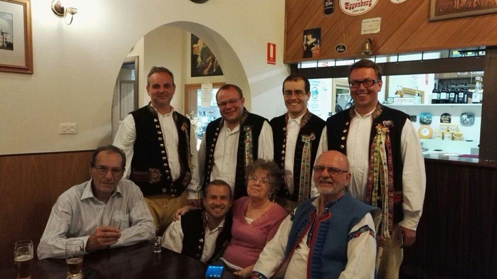 Z australského turné Domažlické dudácké muziky.