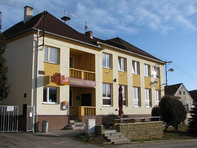 Kulturní dům v Kvíčovicích.