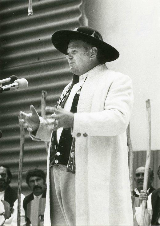 Josef Nejdl starší vstoupil do Chodského souboru Mrákov už v roce 1962.