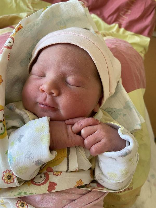Julinka Poslední se narodila 1. června 2021 ve 13:24 v domažlické porodnici. Vážila 3610 g a měřila 50 cm. Na světě ji společně přivítali maminka Klára s tatínkem Matějem ze Starého Klíčova. Doma se už na sestřičku těšila dvouletá Rozálka.