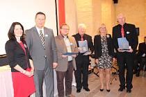 Slavnost v Schönsee. Tři spolupracující umělecké školy byly oceněny cenou Stavitel mostů 2018.