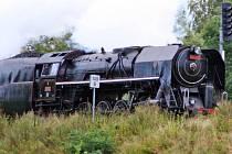 Lokomotiva poháněná párou projíždí každoročně o Chodských slavnostech domažlickým okresem. Foto: Viktor Steinbach