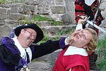 Skupina historického šermu Rego sehraje poslední červencový den na hradě Rýzmberk pohádku.