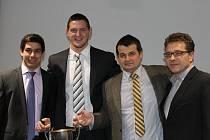 Z POHLEDU ČESKÉHO JUDA JE OLYMPIÁDA velmi úspěšná. Na snímku jsou Jaromír Ježek, Lukáš Krpálek a vpravo předseda Judo Clubu Domažlice a svazový funkcionář Roman Kalous.