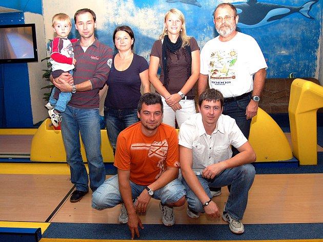 Účastníci Domažlické bowlingové ligy - Poslední smeč.