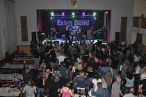Koncert skupiny Extra Band revival v Mrákově.