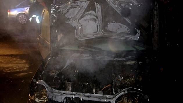 První letošní zásah SDH Folmava byl u požáru auta na parkovišti u tamního kasína.