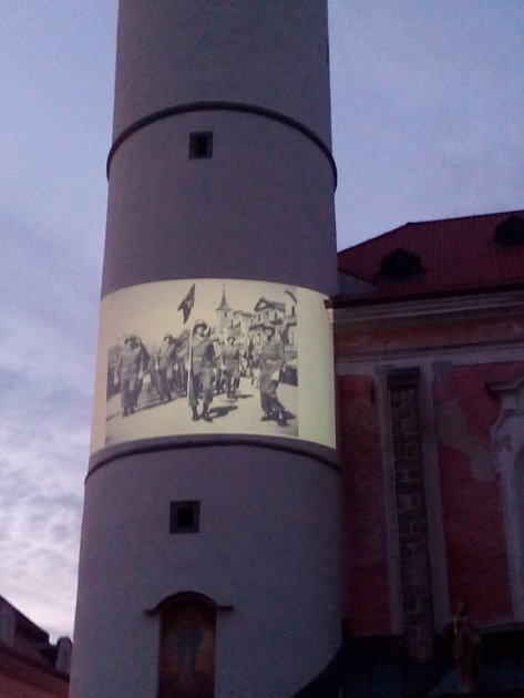 Historické fotografie budou promítány na domažlickou věž.