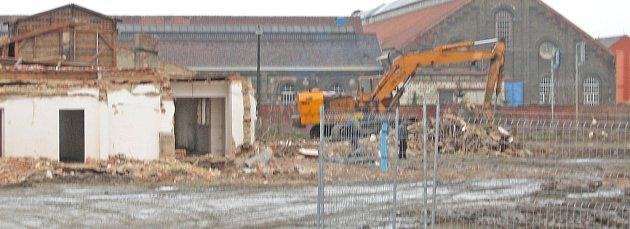 Demolice bývalého kasína v Holýšově.