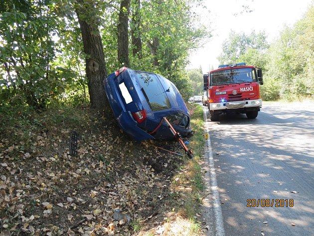 Vlivem únavy usnula mladá řidička při cestě z Horšovského Týna do Domažlic.