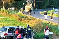 Řidič Seatu Alhambra posilněný alkoholem nezvládl zatáčku nad křižovatkou do Lazců. Foto: Zdeněk Mleziva