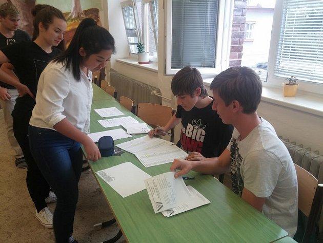Studentské volby na domažlickém gymnáziu.