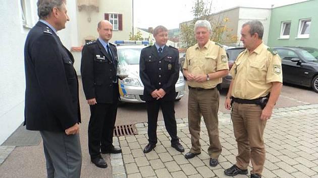 Čeští policisté na návštěvě bavorských kolegů.