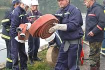 Osm jednotek dobrovolných hasičů okrsku Mrákov si v Pasečnici prověřilo své schopnosti při námětovém cvičení.
