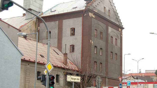 PIVOVAR. Přestavba v kulturně-společenské centrum vyjde na 90 milionů korun. Začíná oprava 1. části – Hvozdu.