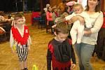 Dětský maškarní karneval v Hluboké.