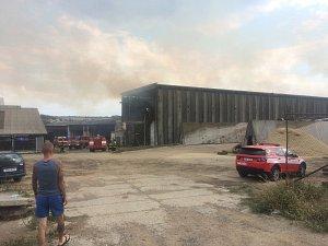 Požár v zemědělském areálu ve Staňkově.