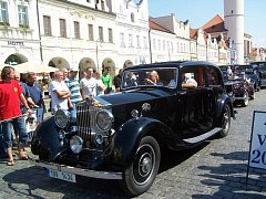 Historická vozidla projela Domažlickem.