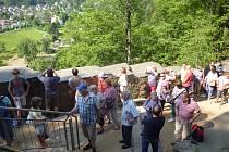 Rodáci zChodska a Pošumaví při prohlídce hradu Oybin.