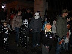 Rej strašidel prošel v sobotu přes Kdyni. Vycházel z náměstí a nakonec došel do parku u muzea.