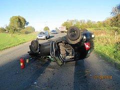 Mladý řidič nepřizpůsobil rychlost jízdy.
