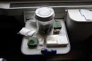 Služební pes Zipp našel ve vlaku marihuanu i pervitin