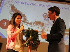 Česká reprezentantka v běhu na lyžích Kateřina Beroušková obhájila prvenství v anketě Sportovec Domažlicka.