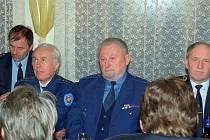 Členové SDH Pocinovice, druhý zleva Bohumil Faul – loni oslavil 70 let věku.